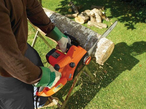 Black and Decker - 2000W Corded Chainsaw 40cm - CS2040