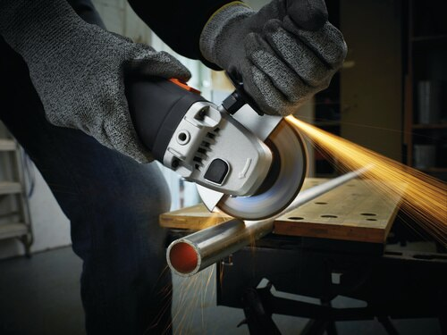 Black and Decker - 900W 125mm Small Angle Grinder - KG912